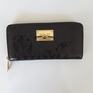 Black Michael Kors large zip metallic wallet